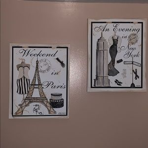 Other - Set of 2 canvas wall decor
